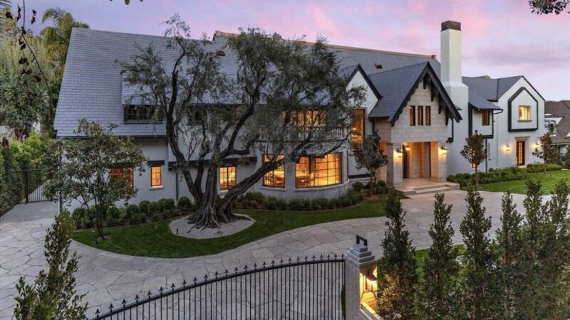 The Beverly Hills Mansion is an exquisitely crafted entertainers dream curates old-world elegance and modern sophistication now available for sale. This home located at 910 N Rexford Dr, Beverly Hills, California; offering 8 bedrooms and 10 bathrooms with over 12,500 square feet of living spaces.