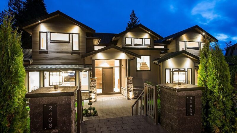 Beautiful Contemporary Home in West Vancouver built by Marble Construction