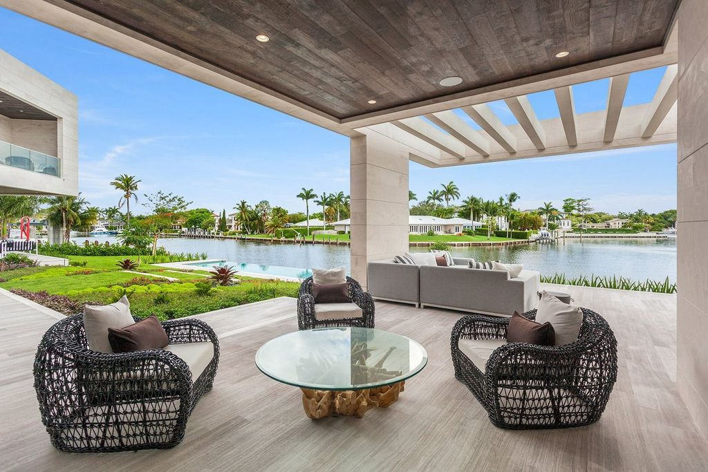 Coral Gables Iconic House with waterfrontage and direct ocean access