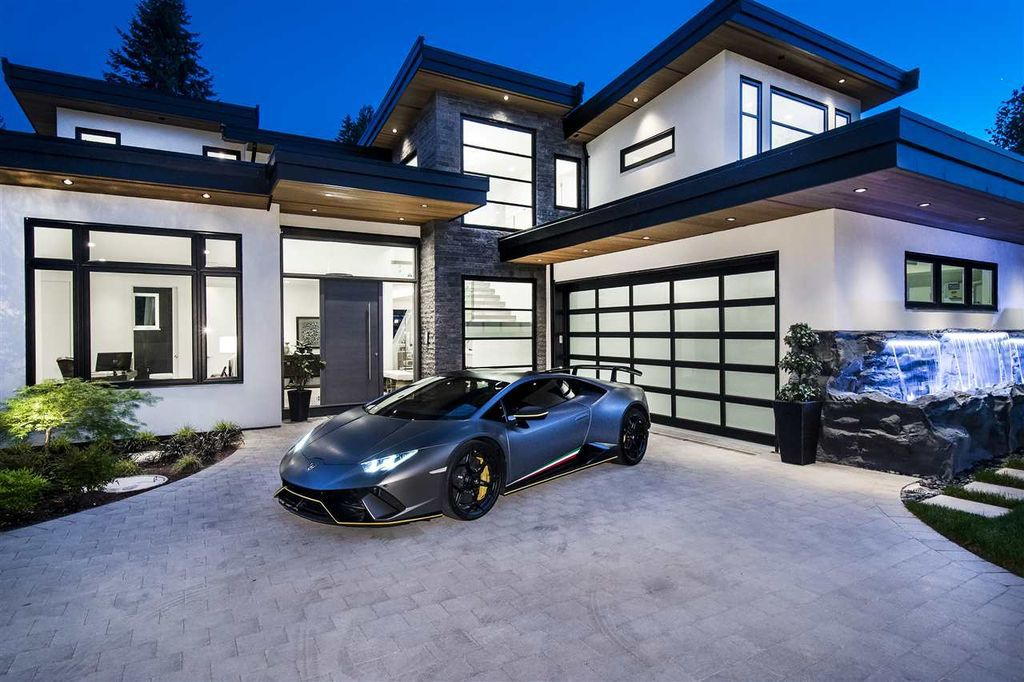 Elegant Luxury Estate in North Vancouver built by Marble Construction