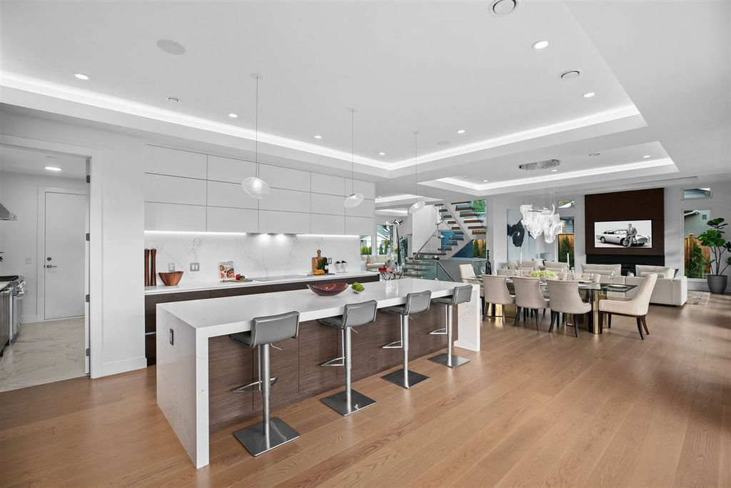 This Forest Hills Masterpiece Home in North Vancouver was constructed by Marble Construction in Modern style with peerless quality in materials and craftsmanship