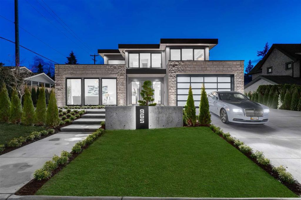 Forest Hills Masterpiece Home in North Vancouver built by Marble Construction