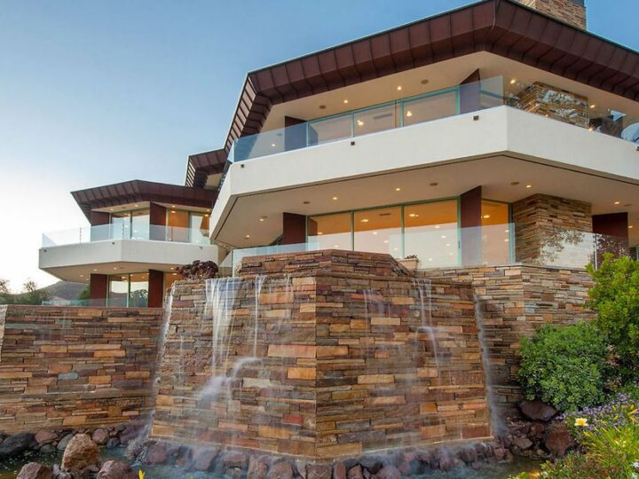 Impressive Mountain View Home in California built by Michael Barsocchini