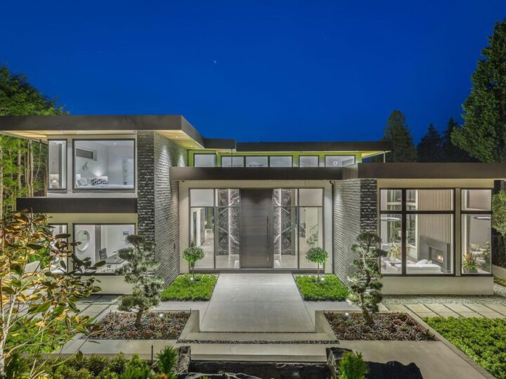 Incredible View House in West Vancouver built by Marble Construction