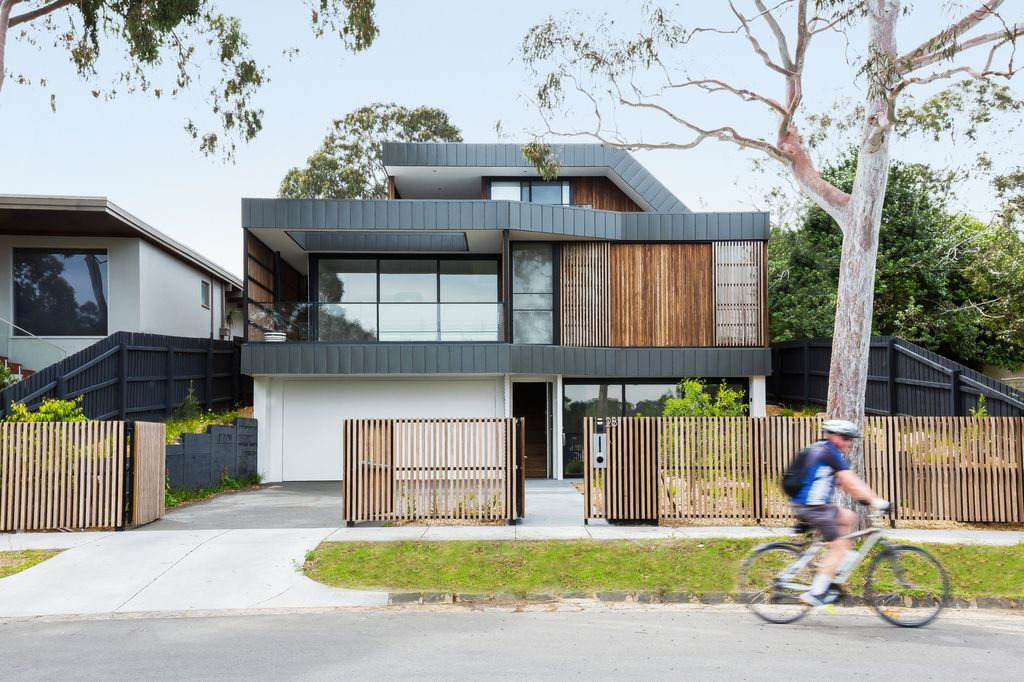 Kew East House, a House Embraces Nature & Suburbia By Jost Architects