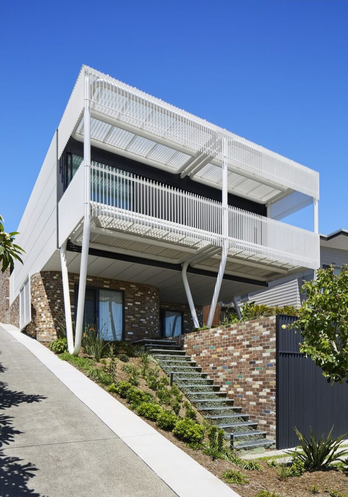 Overlooking the ocean of Greenacres House by Austin Maynard Architects