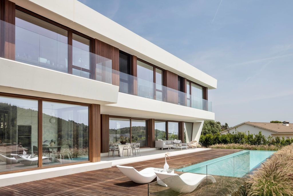 Panoramic House in Spain, unique home with the landscape as protagonist