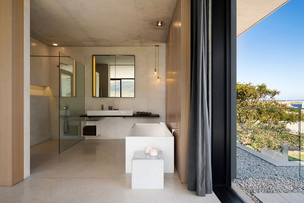 Restio River House, a Sophisticated Family Holiday Home by SAOTA