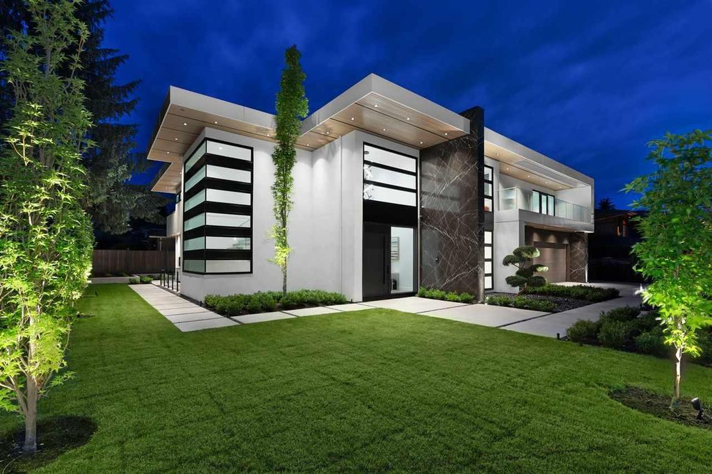 This Spectacular Modern Estate in North Vancouver, Canada was executed by prestigious Marble Construction. This is a beautiful home located at one of the most sought-after street in North Vancouver