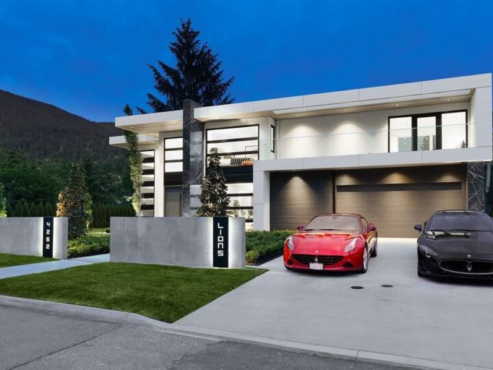 Spectacular Modern Estate  in North Vancouver built by Marble Construction