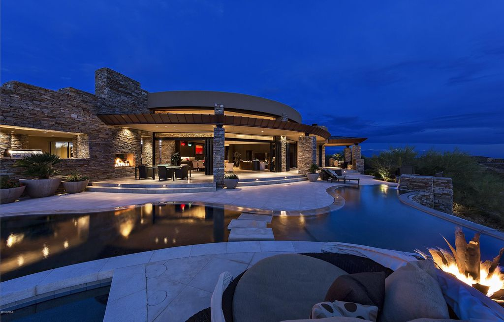 Stunning Desert Mountain Home in Arizona with Graceful Architecture Built by Platinum Homes