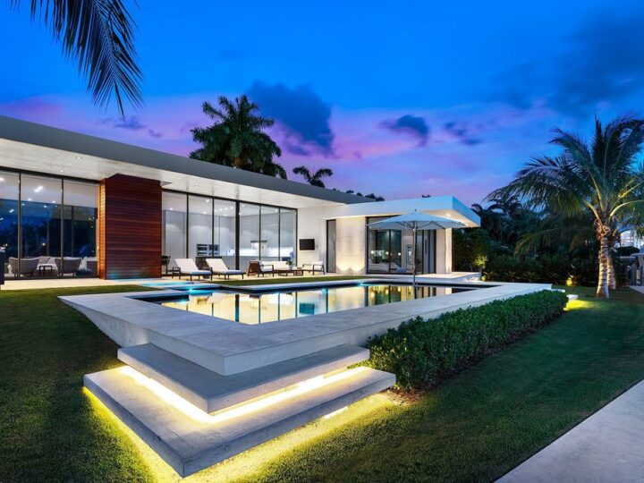 The Contemporary Home in Fort Lauderdale is a true work of art in Harbor Beach with nothing short of the best qualities now available for sale. This home located at 1638 River Ln, Fort Lauderdale, Florida; offering 5 bedrooms and 5 bathrooms with over 5,000 square feet of living spaces.