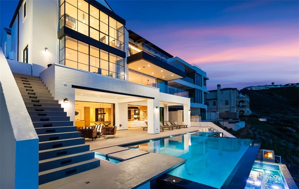 This $18,250,000 Dana Point Home Redefines Luxurious Seaside Living