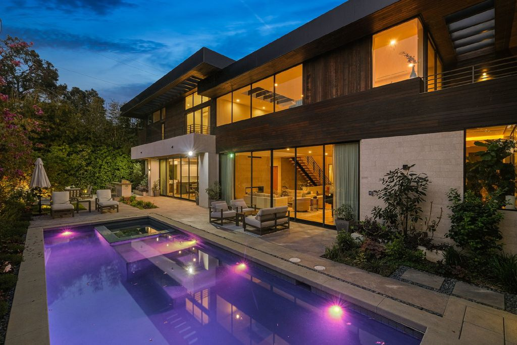 This $8,649,000 Los Angeles Home sets a New Standard for Modern Living