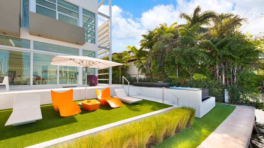 Tri level Sleek Estate with unobstructed view to Biscayne Bay in Florida