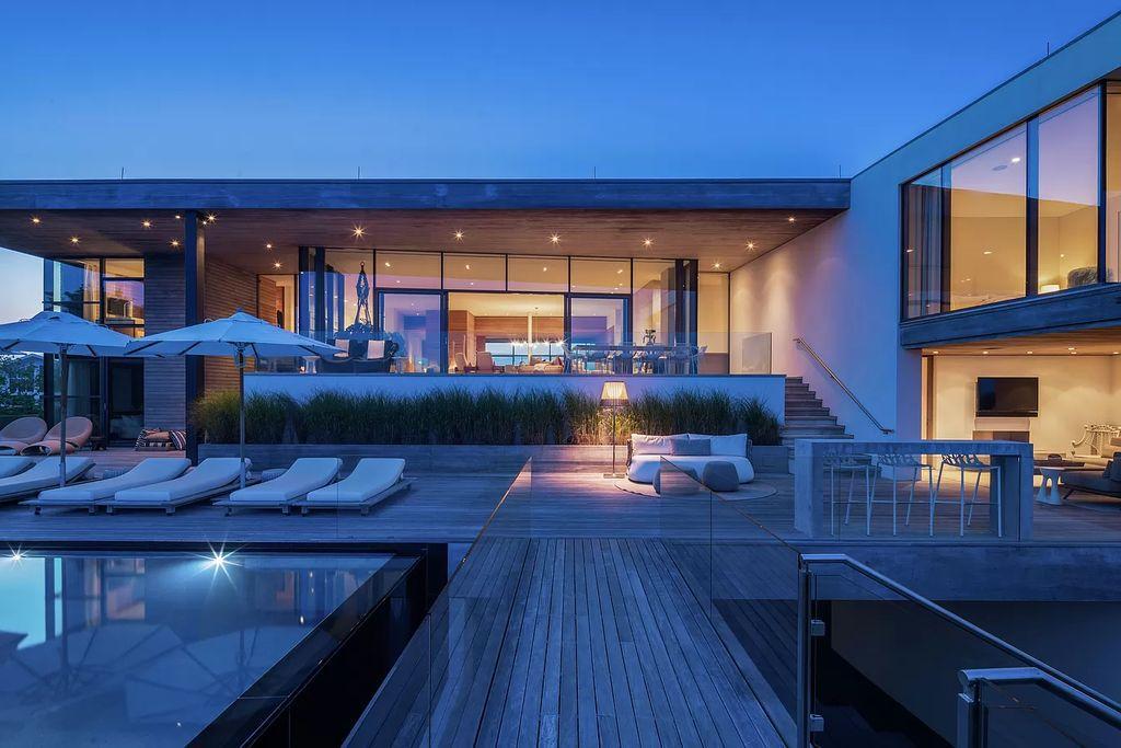 A Stunning Modern Oceanfront Mansion in Bridgehampton hits the Market for $52,000,000