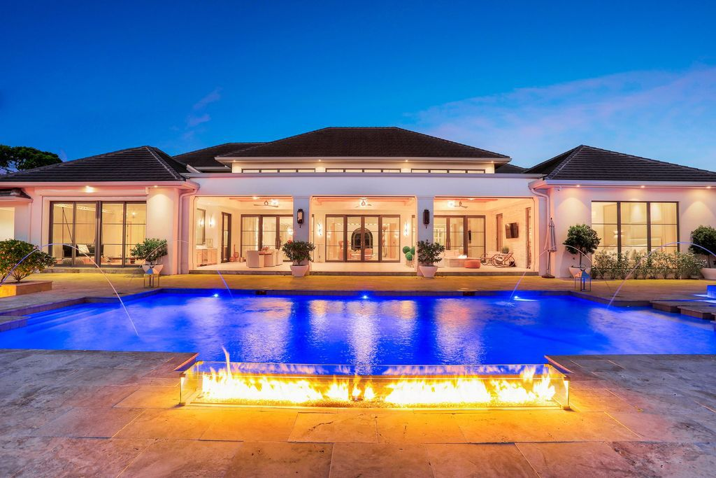An Ultra-luxury Resort Style Home in Naples hits the Market for $15,250,000