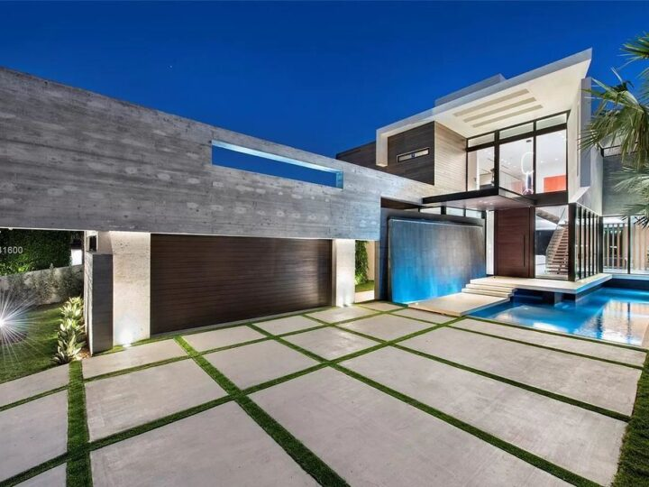 The Modern Luxury Waterfront Villa in Miami Beach is a masterpiece on coveted address of Hibiscus Island now available for sale. This home located at 160 S Hibiscus Dr, Miami Beach, Florida