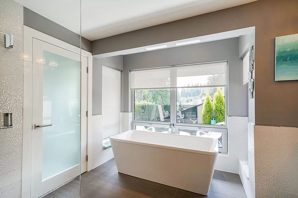 The Stunning Colorful Home in West Vancouver is the perfect blend of luxury, flexibility, and simplicity now available for sale. This home located at 332 Moyne Dr, West Vancouver, BC V7S 1J5, Canada