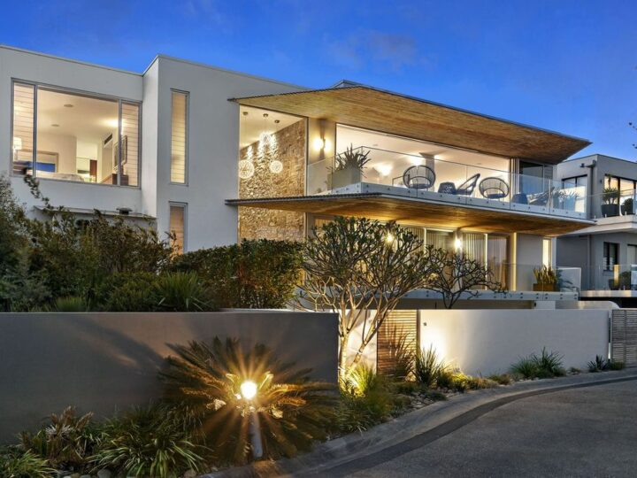 Exquisite cliff top residence architect Koichi Takada in New South Wales for Sale