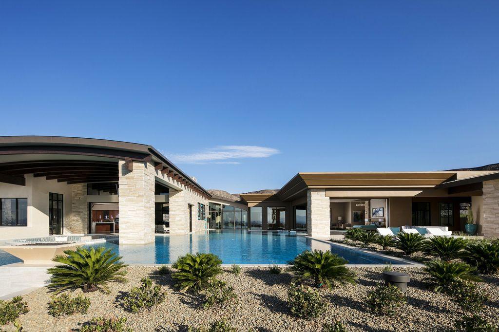 Extravagant Luxury Villa in Nevada built by Sun West Custom Homes LLC