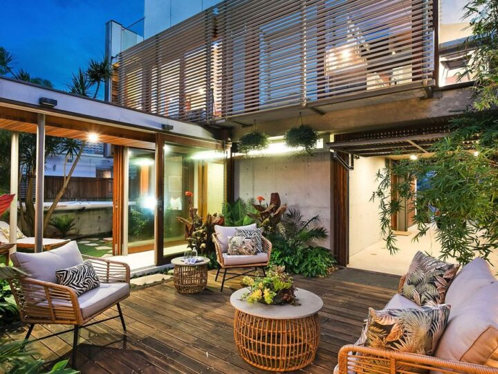 High end beachside home by Brewster Hjorth in New South Wales for sale