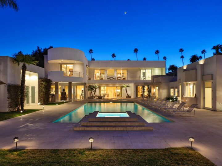 Magnificent Beverly Hills villa built with finest materials for luxury life style