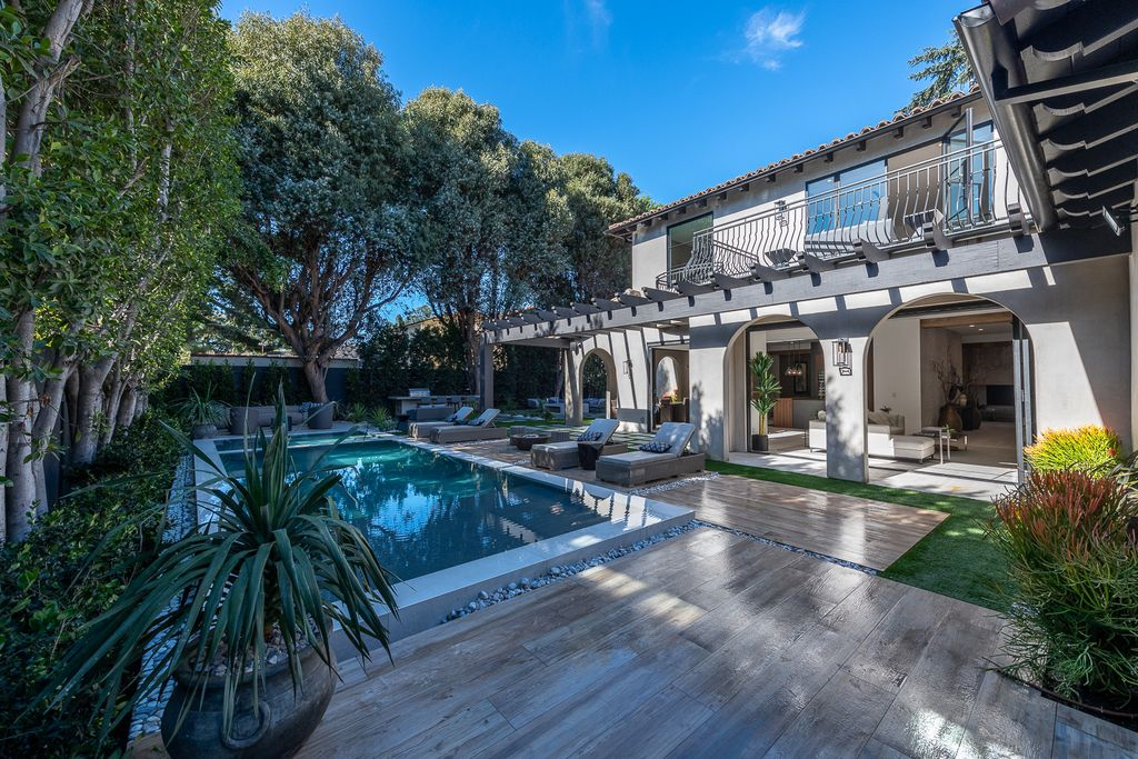 This Marvelous Spanish Contemporary Home in California designed and built by the legendary Arzuman Brothers. This incredible constructed craftsman built-in 2019 consists of 5 bedrooms and 7 bathrooms