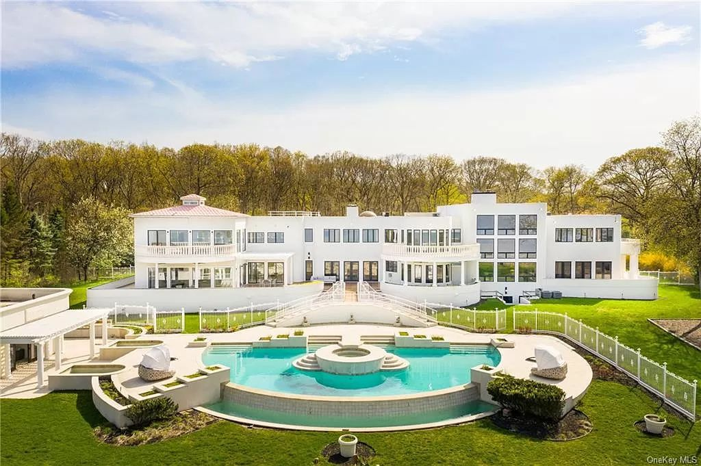 Modern Beachfront Home in Port Jefferson with Breathtaking Vistas for Sale at $9,750,000
