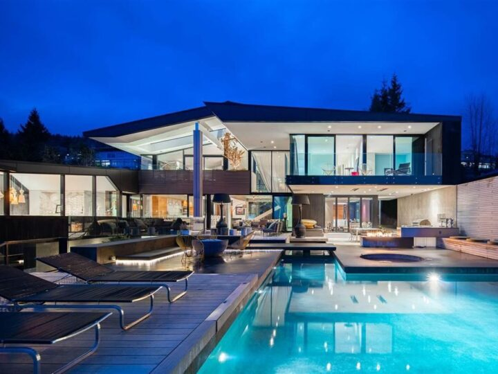 This C$16,800,000 Unique and Beautiful House in West Vancouver Sweeping Views of City & Ocean