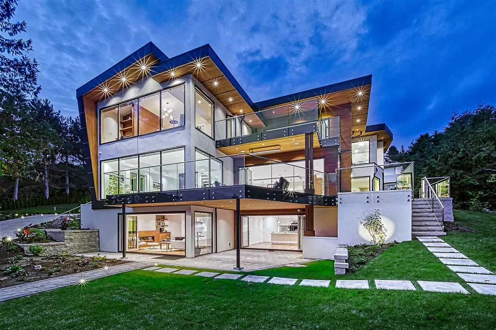 Unique Family Home in West Vancouver with Fabulous Ocean Views for Sale at C$7,998,000