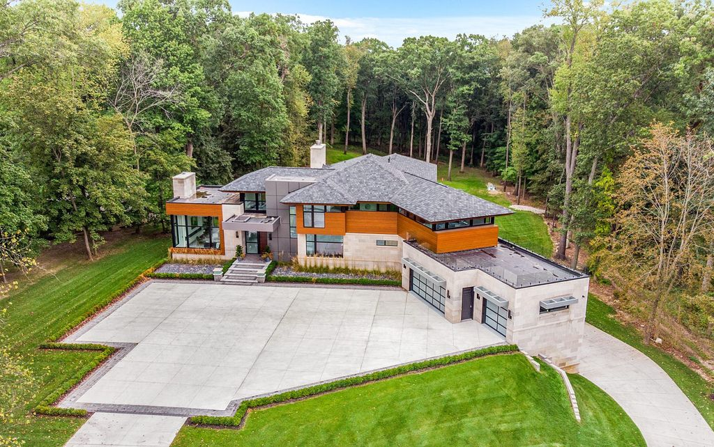 The Home in Michigan is a Marvelous Custom Contemporary designed by AZD Architects offers the utmost unique contemporary elegance now available for sale. This home located at 3777 Orion Rd, Oakland, Michigan
