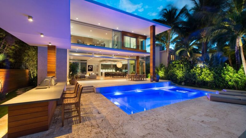 Exquisitely designed residence in Florida with European craftsmanship and bespoke details