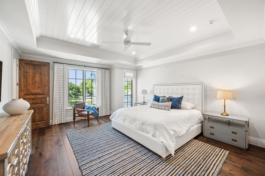The Home in Naples is a A brand new, one of kind, fully furnished masterpiece with panoramic southern exposure now available for sale. This home located at 376 Yucca Rd, Naples, Florida