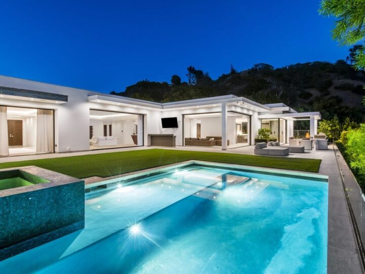 Contemporary Home in the most prestigious enclave of Beverly Hills listed for $14,900,000