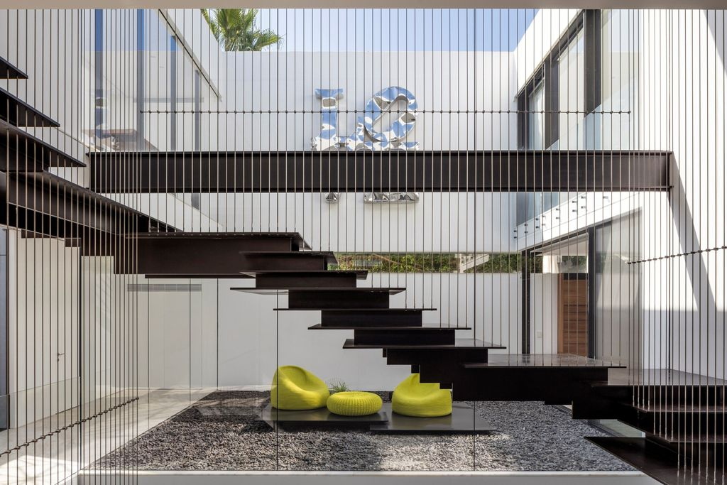 ElegantN2 House in Israel Around Seven Spatial Stages by Pitsou Kedem