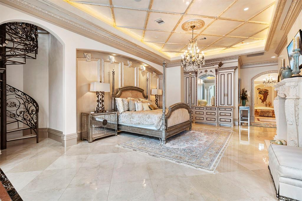 The Home in Texas is a Beautiful waterfront property enjoys sunlit days in the pool or beautiful evenings on a relaxing boat ride now available for sale. This home located at 2 W Isle Pl, Spring, Texas