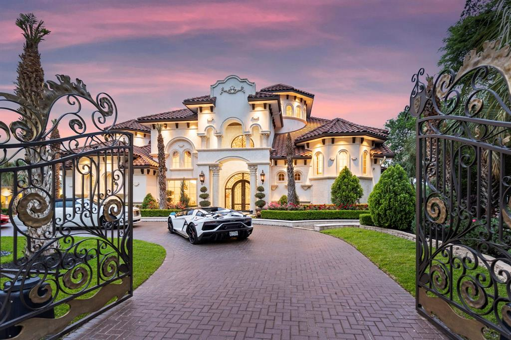 Exceptional $8,950,000 Custom Home in Texas comes with Fantastic Water Views