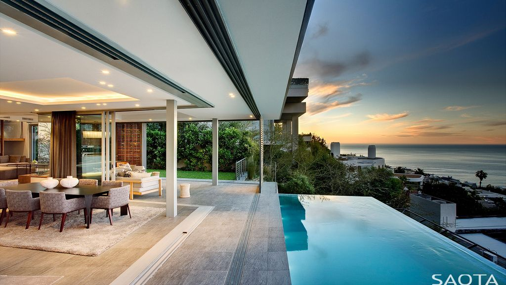 Head 1816 House Offers Luxurious but Homely Living Spaces by SAOTA