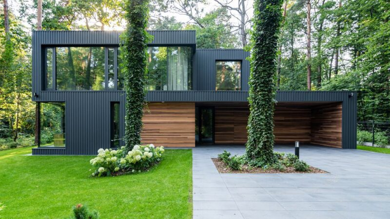 Impressive House Blended Into The Forest in Poland by Z3Z ARCHITEKCI