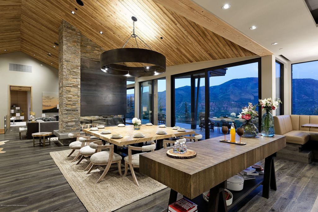 Outstanding Aspen chalet in Colorado with mountain view from Hunter Creek Valley