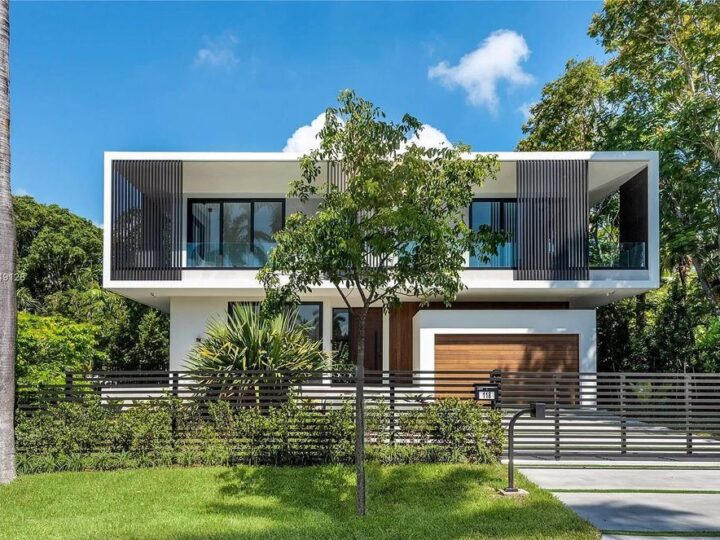Spectacular New Modern Home in Miami Beach comes to Market at $5,850,000