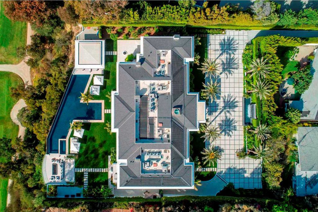 The Most Extraordinary Contemporary Mansion in Santa Monica comes to Market at $90,000,000