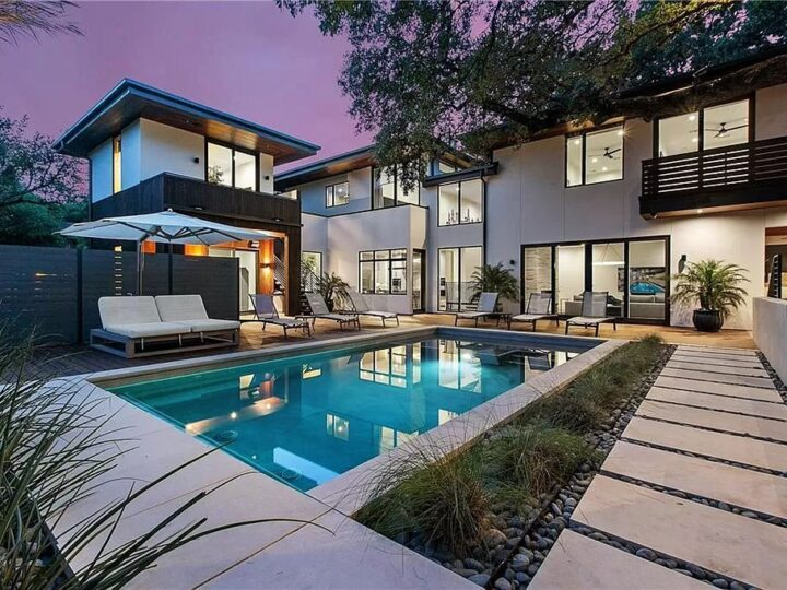 This $6,500,000 Austin Home for Sophisticated Living and Dramatic Entertaining