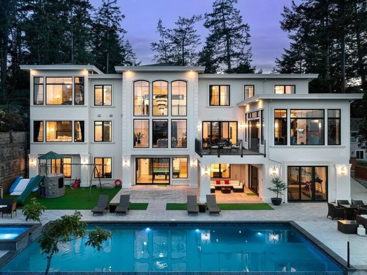 This C$8,990,000 Waterfront Estate in Saanich Offers Beautiful Beyond Compare