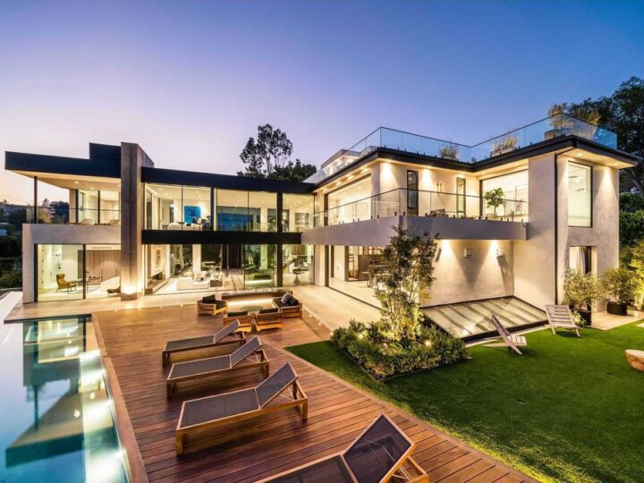 A Newly Completed Hillside Mansion in Beverly Hills hits the Market for $25,950,000