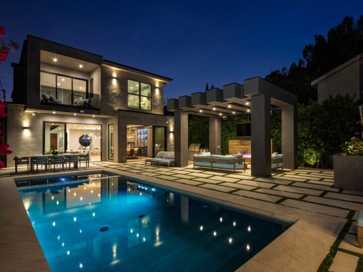 This Phenomenal Home in Venice is An Entertainers Dream asking for $5,250,000