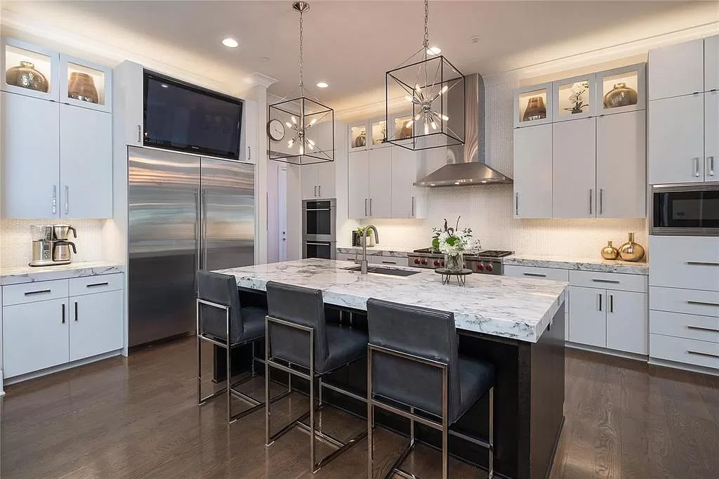The Westlake Home is a luxurious private estate has walls of glass all framing the outside to the inside with the latest in finishes now available for sale. This home located at 2025 Valencia Cv, Westlake, Texas