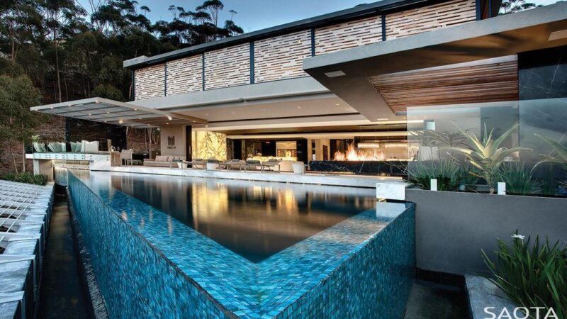 Head 1843 House Offers Stunning Ocean views in Cape Town by SAOTA