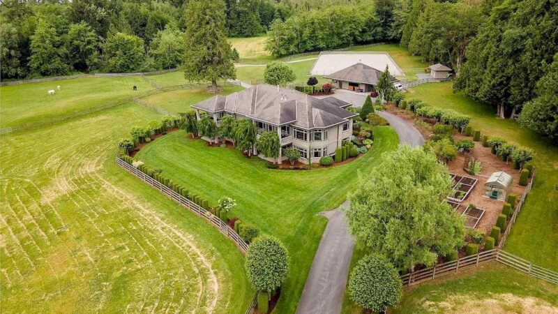 """This C$10,500,000 Magical Langley Estate """"Firlea Acres"""" Features Rolling Pastures and Abundance of Nature"""